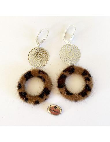 Bocles d'oreilles cercle poil fauve et filigrane métal argenté