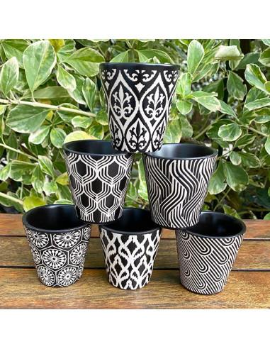 Gobelets-café-grès-motifs-noir-blanc-Aramance