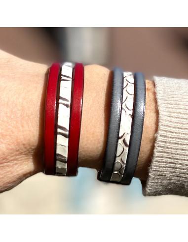Bracelet-cuir-serpent-gris-rouge-Aramance