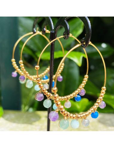 Boucles d'oreilles créoles en acier inoxydable dorée avec pierres fines de couleur et perles dorées