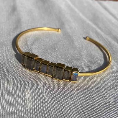 bracelets avec quartz,onyx, lapis lazuli et autres pierres naturelles