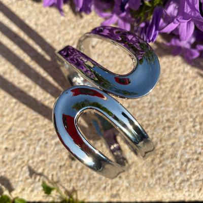 Bracelet jonc ou manchette en métal argenté ou métal qui se mariera avec toutes vos tenues