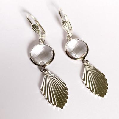 boucles d'oreilles en métal argenté ou métal hypoallergénique ou laiton doré à l'or fin. Pour oreilles percées ou clip possible.